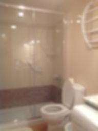 Grande cabine de douche, adaptée handicapés