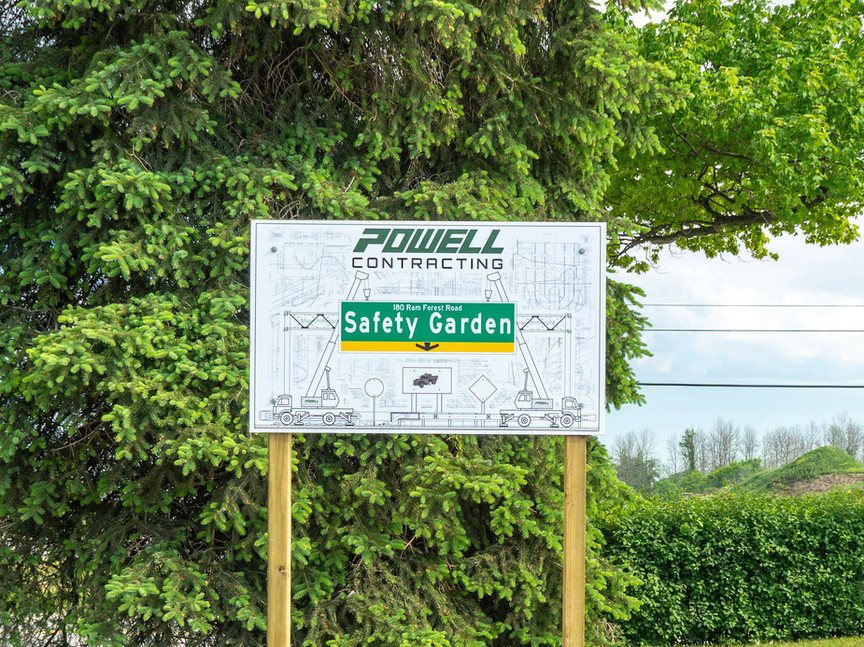 Outdoor - Safety Garden - Example Photo - With Sign