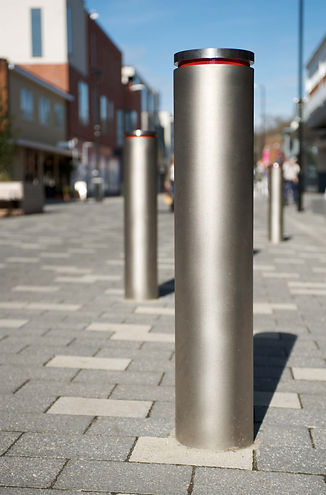geo-bollard-with-red-reflective-tape-885