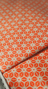 Orange Star Pattern on Oven Gloves