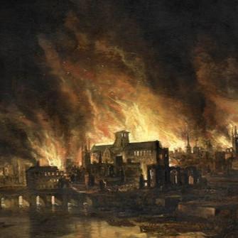 Westminster Sarayı Londra'da yanıyor