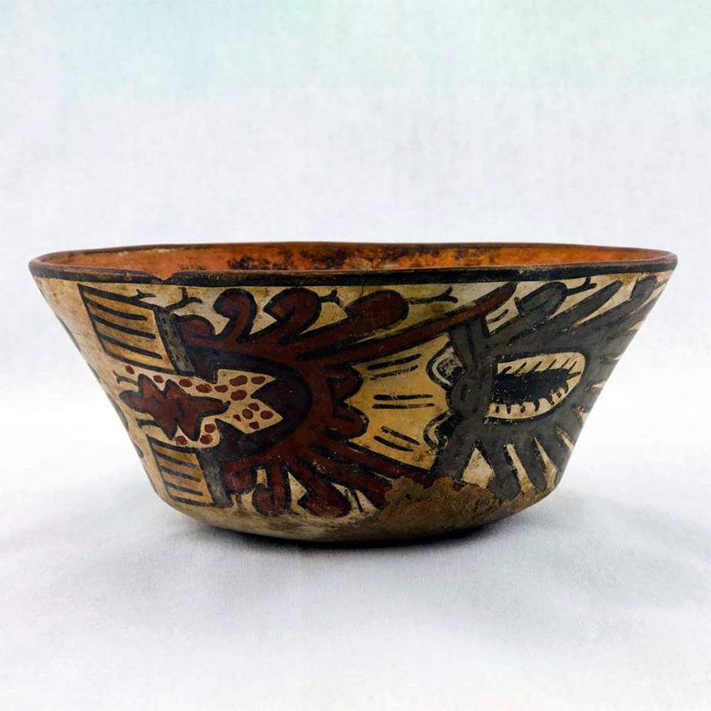 Чаша. Наска, 100 гг. до н.э. - 700 гг. н.э. Коллекция Fowler Museum at UCLA.