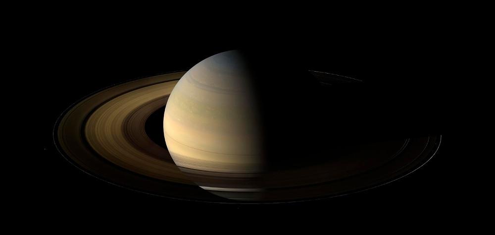 Снимок Сатурна с аппарата Cassini. Источник NASA.