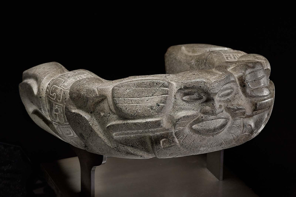 Каменный пояс игрока в мяч. Веракрус, 450-700 гг. н.э. Коллекция Museum of Fine Arts, Boston.