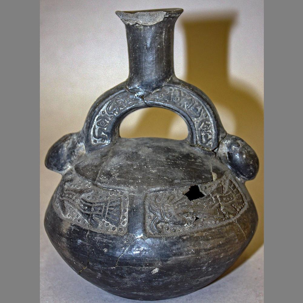 Сосуд. Чиму-Инки, 1430-1530 гг. н.э. Коллекция British Museum.