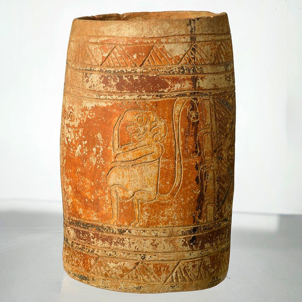 Сосуд с изображением обезьяны. Майя. Коллекция The University of Pennsylvania Museum of Archeology and Anthropology, Филадельфия.