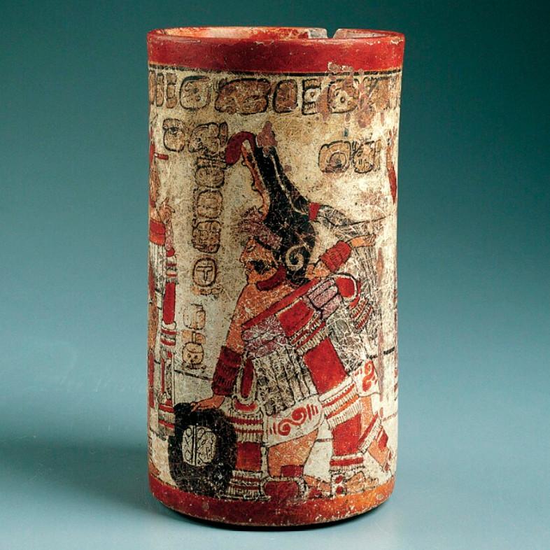 Сосуд со сценой игры в мяч. Майя, 700-800 гг. н.э. Коллекция Kimbell Art Museum, Fort Worth, Texas.