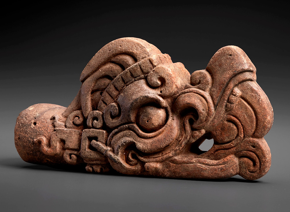 Голова пернатого змея. Майя, 600-900 гг. н.э. Коллекция The Museum of Fine Arts, Хьюстон.