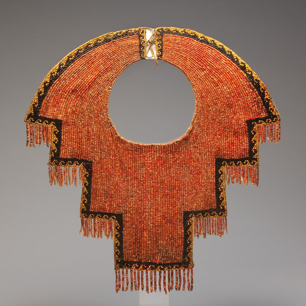 Нагрудное украшение. Чиму, 12-14 вв. н.э. Коллекция The Metropolitan Museum of Art.