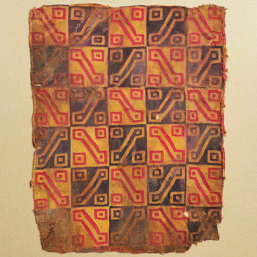Фрагмент одежды. Инки, 1450-1530 гг. н.э. Коллекция Amano Precolumbian Textile Museum, Lima.