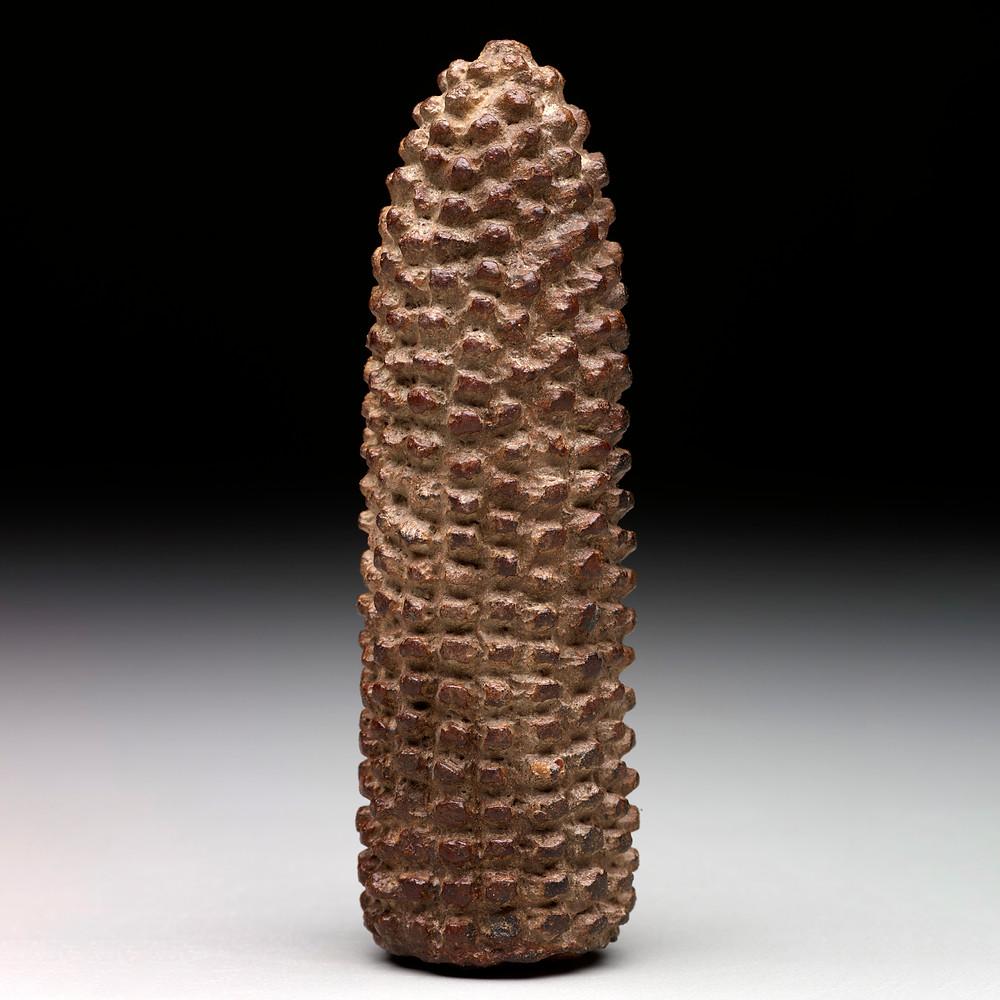 Скульптурное изображение початка кукурузы. Майя, 900-1500 гг. н.э. Коллекция Dallas Museum of Art.