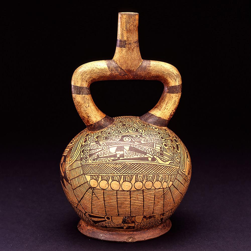 Стремевидный сосуд с изображением сцены с лодками. Моче, 100-800 гг. н.э. Коллекция Fowler Museum at UCLA, Los Angeles.