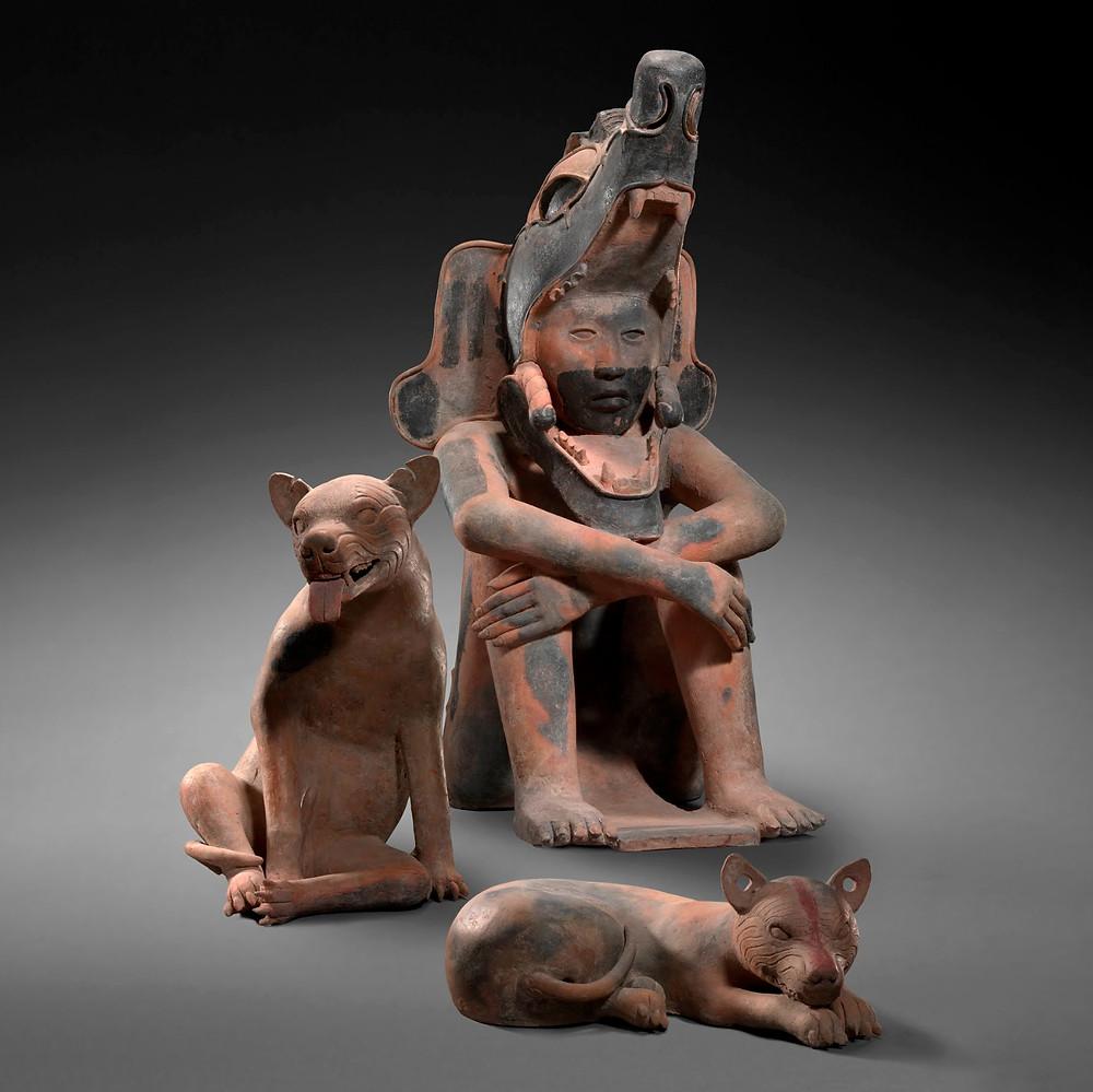 Скульптуры воина и собак. Веракрус, 400-800 гг. н.э. Коллекция Museum aan de Stroom, Antwerpen.