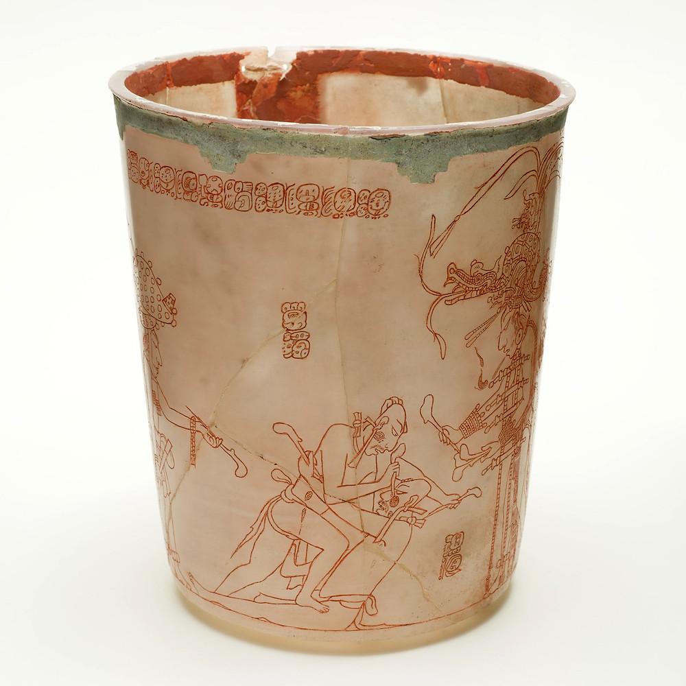 Сосуд с изображением битвы пленников. Майя, 600-900 гг. н.э. Коллекция Los Angeles County Museum of Art.