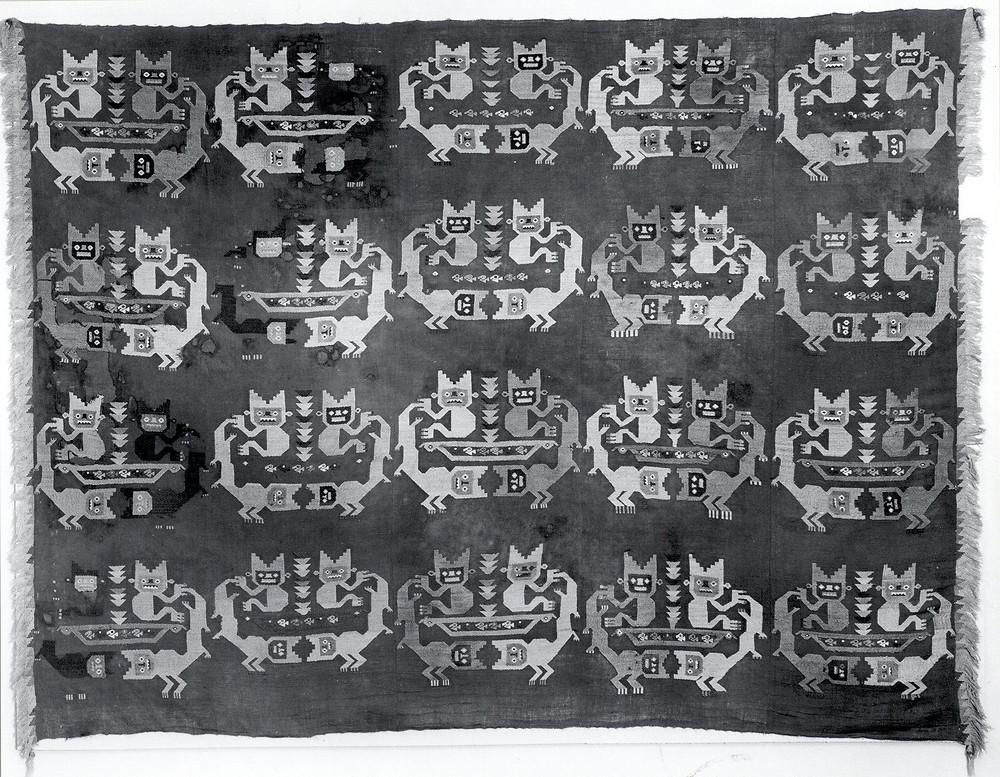 Ткань. Чиму, 12-14 вв. н.э. Коллекция The Metropolitan Museum of Art, New York.