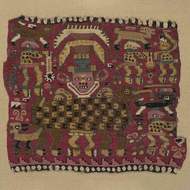 Ткань с изображением божества, помогающего ламе при родах. Ламбаеке, 900-1350 гг. н.э. Коллекция The Israel Museum, Jerusalem.