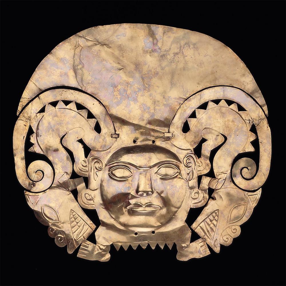 Золотая корона. Моче, 1-800 гг. н.э. Коллекция Museo Larco, Lima.