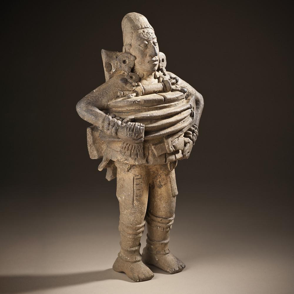 Фигура игрока в мяч. Майя, 550-850 гг. н.э. Коллекция Los Angeles County Museum of Art.