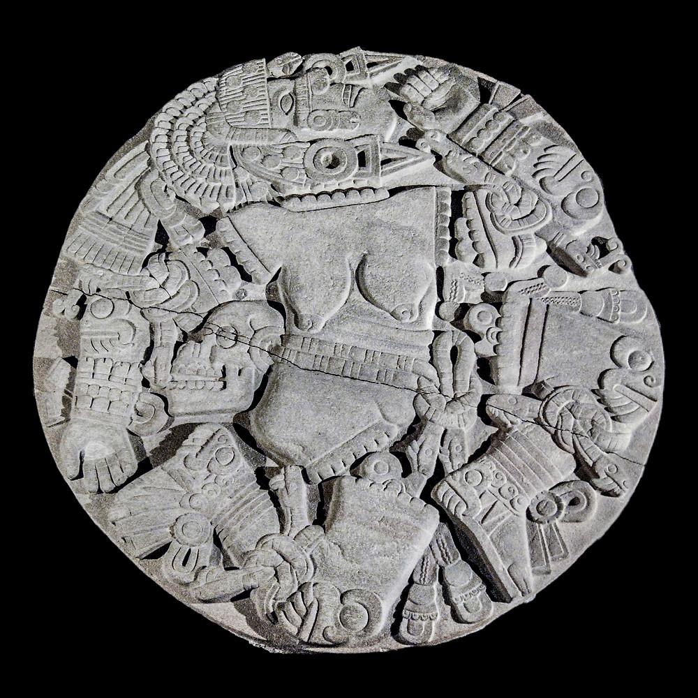 Камень Койольшауки. Ацтеки, примерно 1473 г. н.э. Коллекция Museo del Templo Mayor, Mexico. Dennis Jarvis, 2007.