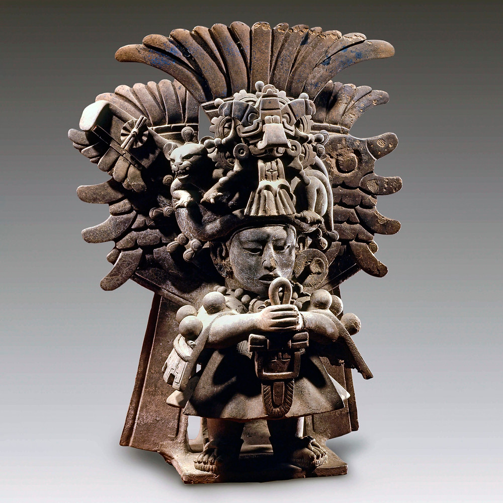 Фигура жреца. Сапотеки, 200-600 гг. н.э. Коллекция Museo Amparo, Puebla.