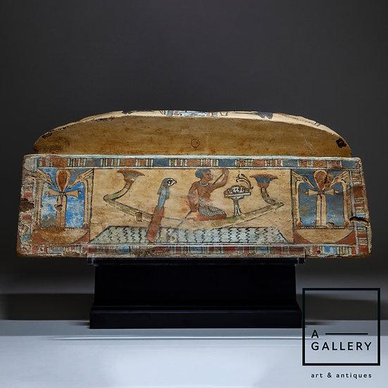 Панель - фрагмент саркофага (IV-I вв. до н.э.)