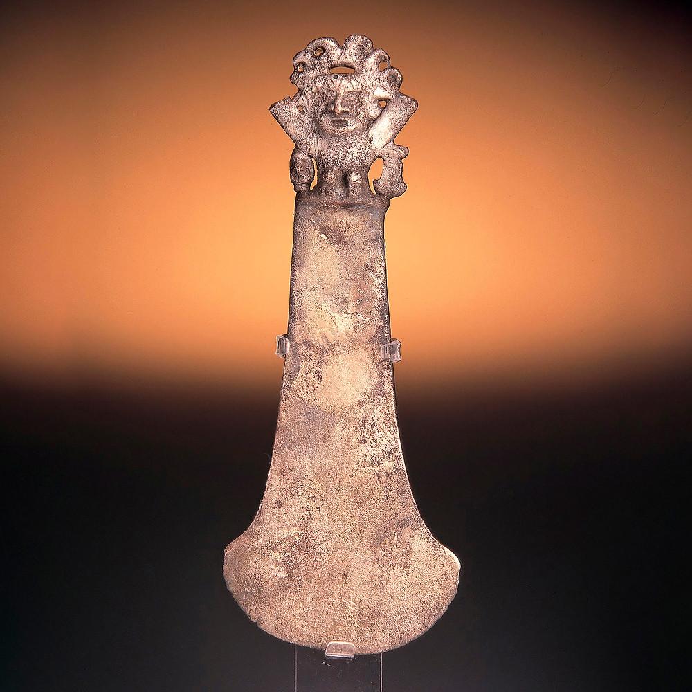 Туми. Моче, 1-800 гг. н.э. Коллекция Museo Larco, Lima.