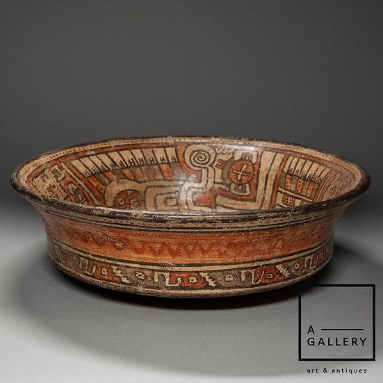 Блюдо, группа полихромной керамики Луна (1350-1520 гг. н.э.)