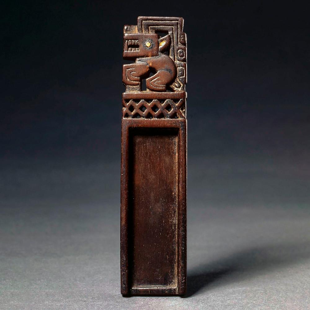 Нюхательная ложечка. Рекуай, 1-650 гг. н.э. Коллекция The Cleveland Museum of Art.