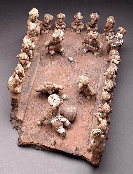 Модель поля для игры в мяч, Наярит, 200 гг. до н.э. – 500 гг. н.э. Коллекция Los Angeles County Museum of Art.
