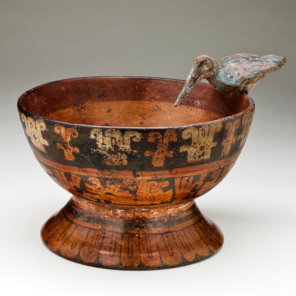 Чаша с погремушкой в виде колибри. Мексика, 1300-1500 гг. н.э. Коллекция Los Angeles County Museum of Art.