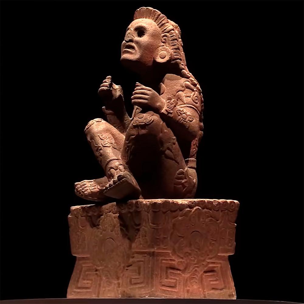 "Шочипилли. Кадр из видео к открытию выставки ""Xochipilli, el Señor de las Flores reina en el Museo Nacional de Antropología"", Museo Nacional de Antropología, Mexico."