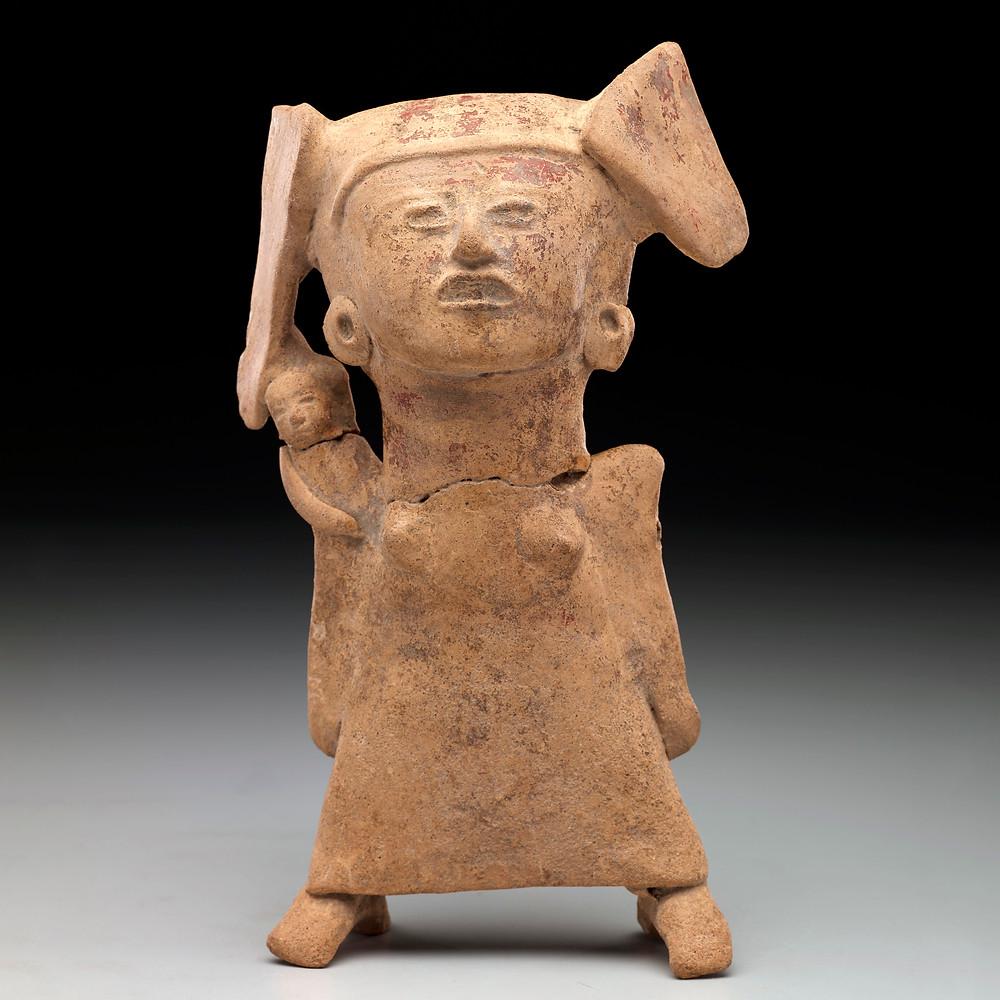 Небольшая упрощенная статуэтка. Веракрус, 300-700 гг. н.э. Коллекция The Dallas Museum of Art.
