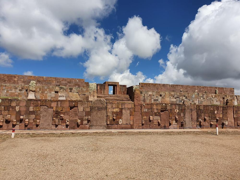 Храм стоящих камней. Тиуанако, Фотография М. Олеванова, 2019.