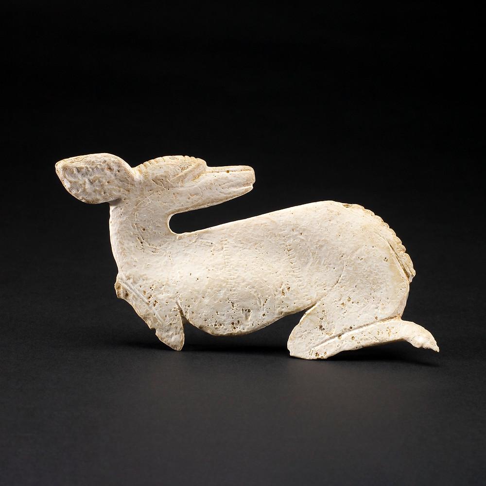 Медальон в виде оленя. Майя, 700-800 гг. н.э. Коллекция Saint Louis Art Museum, Missouri.