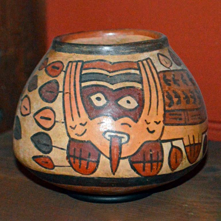 Сосуд. Наска, 100 г. до н.э. - 600 г. н.э. Коллекция The British Museum.