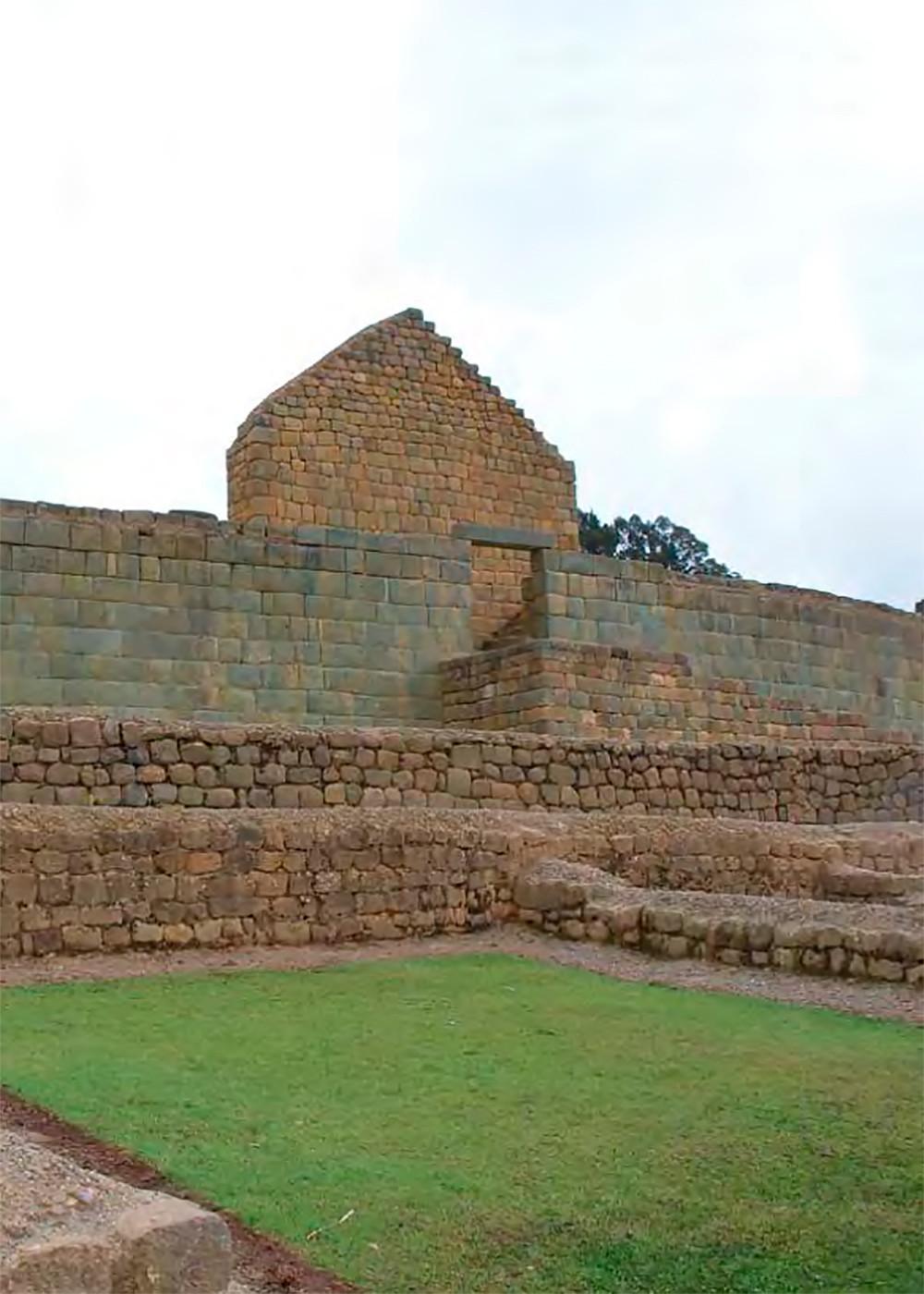 Храм Солнца. Ингапирка. Источник: Complejo Arqueológico de Ingapirca, Instituto Nacional de Patrimonio Cultural.