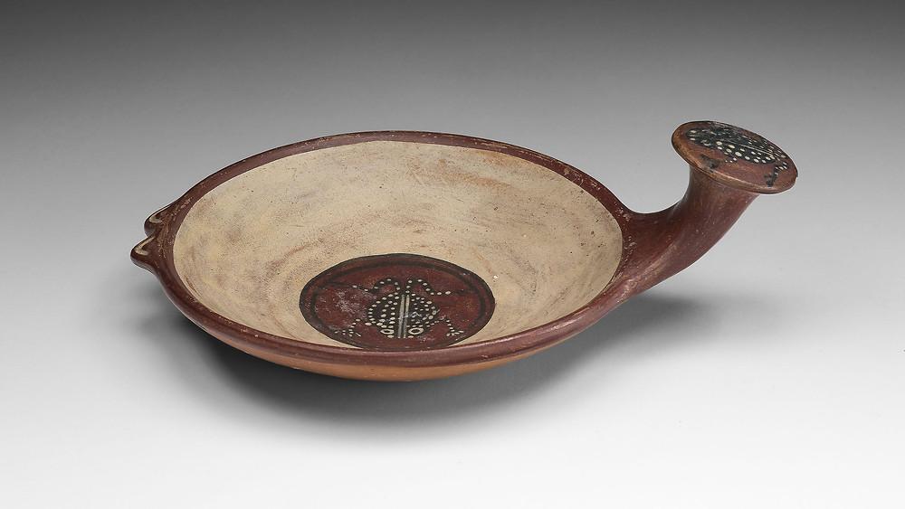 Небольшая чаша с изображениями лягушки, Инки, 1450-1532 гг. н.э. Коллекция Чикагского института искусств, Чикаго.