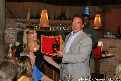 Bia e Arnold Schwarzenegger