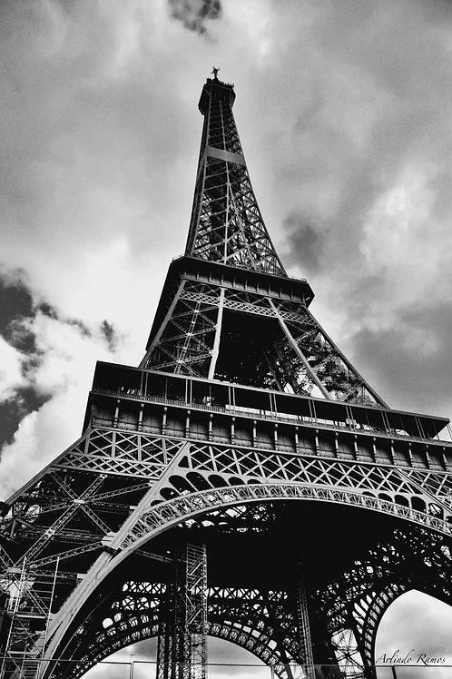 La Tour Eiffel 2 support Alu/Dibond 70 x 50 cm Prix 890€ série à 57 Exemp