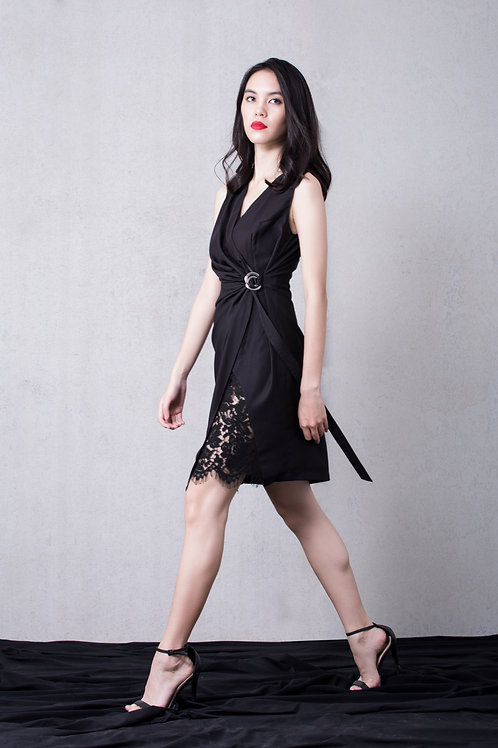 Lace inserted wrap dress - black