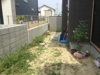 新築外構工事前の庭