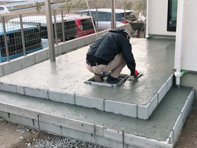 タイルテラスのベースコンクリート