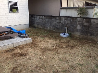 リフォーム前の土の庭