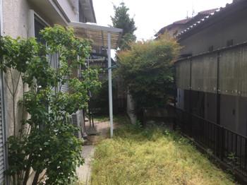 外構リフォーム前の庭