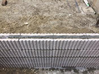 ブロックの中の鉄筋
