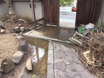 雨水の水はけが悪い状態.jpg