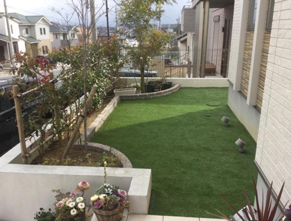 庭リフォーム後の人工芝