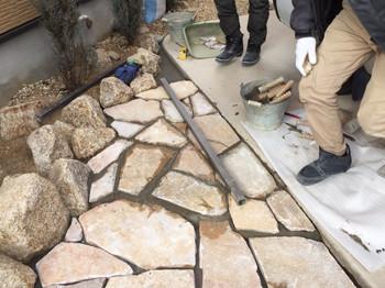 天然石を張る