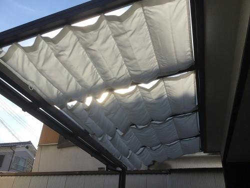 テラスの日除けカーテン