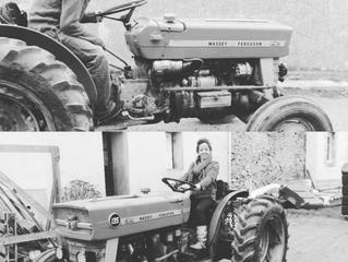 Arrivé du nouveau tracteur sur l'Ile de Sein